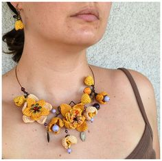 statement uniquely crochet bib necklace and earrings por Marmotescu, $38.00