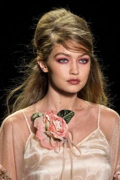 3 Spring Summer 2017 beauty trends to try instantly!