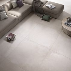 Keramische vloertegels zijn ideaal voor de woonkamer! Tegels zijn makkelijk in onderhoud en ideaal in combinatie met vloerverwarming. Wij hebben een enorme uitgebreide collectie en daardoor voor iedere woonstijl de juiste vloertegels. Onze tegelzetters zijn specialist in prachtige strakke tegelvloeren met een mooie tegelverdeling. Wij kunnen de tegelvloeren leggen inclusief het aanleggen vloerverwarming. Kom langs in …