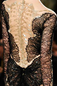 "Marchesa Fall 2012   ""Lace and Bone"""