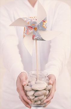 DIY Pinwheels via Wedding Chicks Cute Wedding Dress, Diy Wedding, Wedding Events, Dream Wedding, Wedding Ideas, Wedding Photos, Wedding Planning, Weddings, Pinwheel Centerpiece