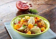 Insalata di finocchi arance melagrana e noci è un'insalata fresca,croccante, considerata del benessere per tutti i suoi benefici,venite a scoprili!