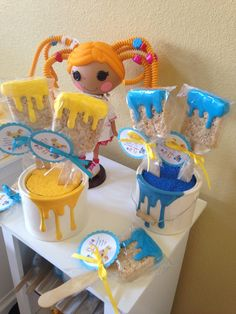 Love the dripping paint on cans AND rice crispy treat brushes. Art Birthday, 6th Birthday Parties, Birthday Banners, Butterfly Birthday, Birthday Invitations, Birthday Ideas, Art Party Cakes, Girls Tea Party, Lalaloopsy Party