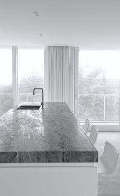Govaert & Vanhoutte | Triplex Apartment in Oostduinkerke, 2014