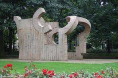 Eduardo Chillida - Skulpturen im öffentlichen Raum