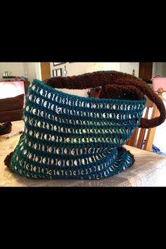 Crochet purse with pop tabs