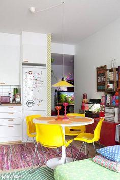 Lemmikkiperheen värikäs koti | Kotivinkki