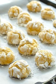 Fursecuri crăpate (crinkles) cu dovleac Baby Food Recipes, Cookie Recipes, Healthy Recipes, Good Food, Yummy Food, Food Cakes, Food To Make, Bakery, Food And Drink