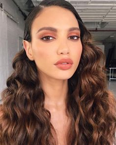 You can have some natural makeup ideas and look so gorgeous without being too much. These are some of the brunette natural makeup recommendations. Smokey Eye Makeup Look, Fall Makeup Looks, Winter Makeup, Autumn Makeup, Beauty Make-up, Beauty Hacks, Hair Beauty, Beauty Style, Bridal Makeup