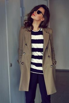 Modnique- classic trench, jeans & stripe tee
