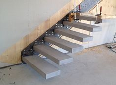 55 new ideas floating stairs construction concrete steps Cantilever Stairs, Stair Handrail, Staircase Railings, Staircase Design, Stairways, Stair Design, Escalier Art, Escalier Design, Stairs Architecture