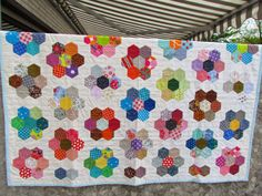 Quilt aus Stoffresten / Quilt made from scraps of fabric / Upcycling