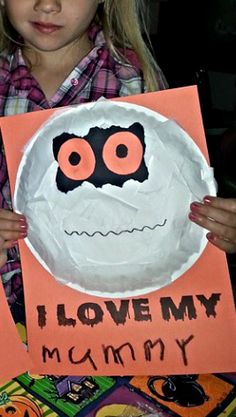 paper plate mummy craft for halloween - Preschool Halloween Art Projects