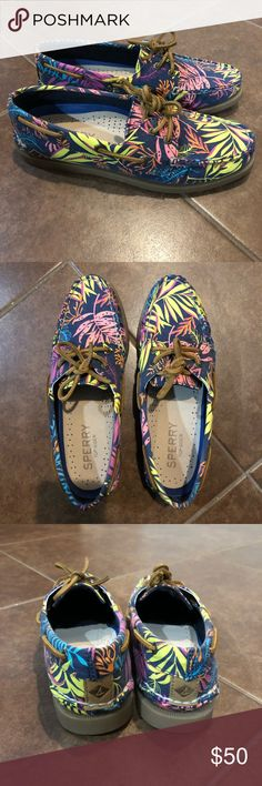 NWT Sperry Top-Sider A/O Seaweed Print NWT. Size 7.  Navy blue. Box included. No trades. Bundle 2 or more items and save 10%.  Offers welcome! Sperry Top-Sider Shoes Flats & Loafers