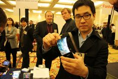 Samsung will demonstrate a 5.5-inch flexible smartphone screen at CES 2013 | YouMobile
