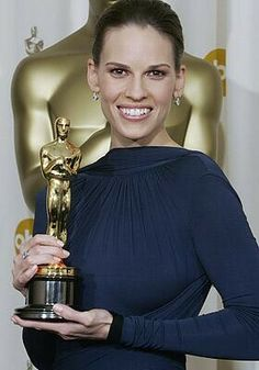 "Hilary Swank is seen with her Oscar for best actress in ""Million Dollar Baby"" at the Annual Academy Awards, Sunday, Feb. in Los Angeles. After forgetting to thank husband Chad Lowe when. Academy Award Winners, Oscar Winners, Academy Awards, Oscars, Oscar Photo, Chad Lowe, Oscar Dresses, Jessica Biel, Clint Eastwood"