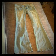 Tyte light denim vintage flare blue jeans size 3 Tyte jeans size 3. Light denim jeans with a sexy dramatic flare. Great style. Amazing condition. tyte Jeans