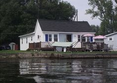 Cayuga Lake Vacation Rentals: 3 Gulls and a Buoy   Finger Lakes Rentals   Lakeside Cayuga Lake Rentals