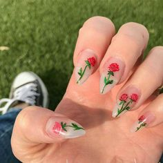 Try some of these designs and give your nails a quick makeover, gallery of unique nail art designs for any season. The best images and creative ideas for your nails. Rose Nails, Flower Nails, Gel Nails, Nail Polish, Rose Nail Art, Nail Nail, Flower Nail Designs, Cute Nail Designs, Pedicure Designs