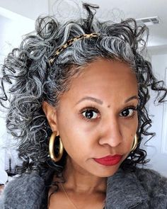 Ideas for excellent looking women's hair. An individual's hair is precisely what can certainly define you as a man or woman. To most people it is important to have a great hair style. Hairstyles For Round Face. Grey Curly Hair, Silver Grey Hair, Curly Hair Styles, Gray Hair, Natural Hair Tips, Natural Curls, Natural Hair Styles, Pastel Ombre, Hair Clipart