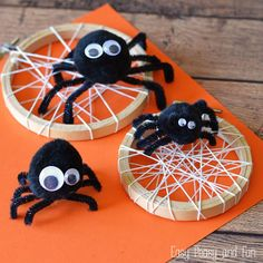Need a silly spider craft to go along with a spider themed book? This one is perfect! These things are adorable and that's coming from someone that's dead afraid of spiders! Hang them on the front of a photo frame for seasonal decor, add them to your fireplace mantle, string them across to make a …