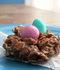 Easy No Bake Easter Cookies : These easy no bake oatmeal cookies are super easy and delicious. Even better, you can whip these up in only 3 minutes!