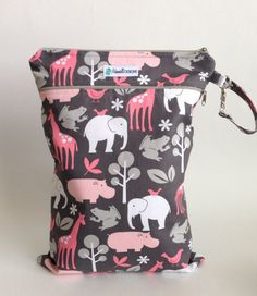 Zoology Pink Wet Dry Bag | Maxwell Designs #wetbag #wetdrybag #clothdiapers