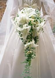White Lilies Cascading Bridal Bouquet - Wedding Bouquets Photo Gallery - Knot For Life Lily Bouquet Wedding, Cascading Wedding Bouquets, Cascade Bouquet, White Wedding Flowers, Bride Bouquets, Bridal Flowers, White Flowers, Trailing Bouquet, Flower Bouquets