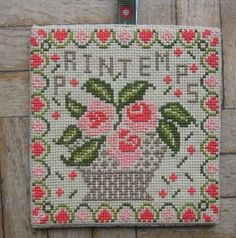 gazette94: free pattern Cross Stitch House, Small Cross Stitch, Cross Stitch Flowers, Cross Stitch Designs, Cross Stitch Patterns, Blackbird Designs, Rose Embroidery, Cross Stitch Embroidery, Cross Stitch Cushion