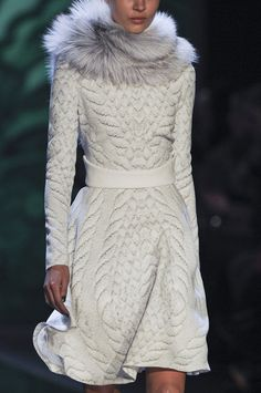 Perfect winter style ... Monique Lhuillier