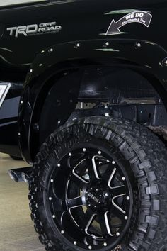 GEAR Wheels on lifted Toyota Tundra TRD