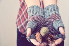 Plaid Fingerless Gloves. elde via Etsy.
