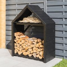 Freeport Park The x Jaxon Wooden Log Store is perfect for making sure your logs and sticks stay dry and aired. It features an open fronted design to enable quick and easy access and also includes a shelf for storing different sized logs. Outdoor Firewood Rack, Firewood Shed, Firewood Storage, Shed Storage, Outdoor Storage, Storage Ideas, Timber Logs, Wood Logs, Pressure Treated Timber
