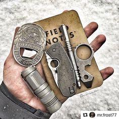 #Repost @mr.frost77 with @repostapp ・・・ Good morning #edc #everydaycarry #edcgear #edcig #edcdump #edcshowcase #edclifestyle #everydaydump #edcpocketdump #pocketvomit #pocketdump #knifefanatics #geardump #echodeltacharlienetwork #knivesdaily #knifestagram #knivesofinstagram #edcsuspects