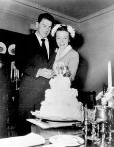 Newlyweds Ronald Reagan and Nancy Reagan 1952