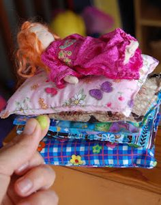 This post shows you how Storytelling Prop Bags can be a different and fun way of sharing stories with children.