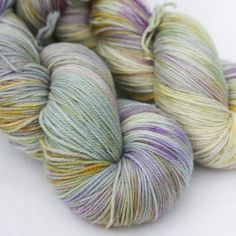 New Agave Fingering information Content: 70/20/10 superwash merino/cashmere/nylon Plies: 3ply Yardage: 415 yards Grams per skein: 114 (4oz) Recommended needle sizes: 0-3