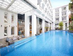 #태국 푸켓 빠통비치 랍디 푸켓 빠통 리조트 착한가격에 깔끔한 인테리어 성수기 인기짱 입니다^^/ #Lub d Phuket Patong 푸켓여행 준비하시는 분들이 성수기 숙박비 때문에 고민을 많이들 하십니다.. 특히 저녁늦게 새벽에 푸켓도착시 호텔 1박 하기에는 돈이 아까운건 사실 입니다... 그래서 저렴이 착한호텔 알려드립니다... 일단 11월 12월에도 크게부담없시 이용가능한 호텔 입니다.. 기본적으로 호텔 수영장 아침조식(선택) 시원한 에어콘룸 포함되어 있습니다... 푸켓도착시 첫날 그리고 마지막날 오후12시 호텔 첵아웃후 푸켓공항 이동하기전 시간이 어중간하신분들께 추천해드립니다 함께하면 기분좋은여행 타이푸켓 푸켓 타운준 올림^^/ , , #푸켓 #푸켓여행정보 #푸켓자유여행 #푸켓신혼여행 #푸켓타운준 #타이푸켓 #태국 #푸켓호텔프로모션 #푸켓가족여행호텔추천 #푸켓풀빌라 #태국 푸켓 카오락 끄라비 미친여행정보 http://thaipk.com/ #네이버 [타이푸켓] 검색