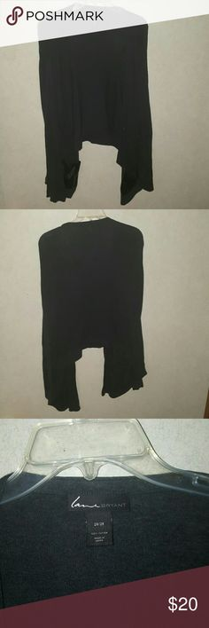 Cardigan Greyish/black Plus 26/28 No rips or stains Never been worn 2 front pockets Both sides are longer than the back as shown In the pictures Same/next day shipping Lane Bryant Sweaters Cardigans