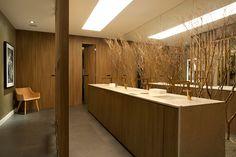 "Ambiente ""Banheiro público multiuso"" por ArtisDesign + para Casa Cor SP 2016! Confira mais fotos no Portal MiMostra!"