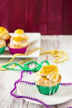 I usually go for recipes significantly less complicated, but these King Cake Cupcakes are so adorable, I'm going to have to try them for Mardi Gras tomorrow anyway!