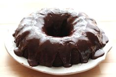 Chocolate Sour Cream Cake {traditional and gluten free recipes} Sour Cream Chocolate Cake, Sour Cream Cake, Chocolate Sweets, Gluten Free Chocolate, Chocolate Icing, Baking Recipes, Cake Recipes, Dessert Recipes, Desserts