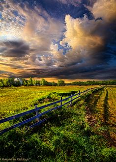 "https://flic.kr/p/fe5uDj | Riding Fences Flickr | ""Riding Fences"" Horizons by Phil Koch."