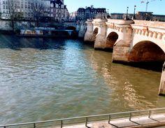 Sena. Paris.