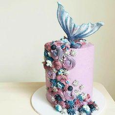 Mermaid Birthday Cakes, Mermaid Cakes, Birthday Cake Girls, Mermaid Cupcake Cake, Mermaid Tail Cake, Birthday Ideas, Pretty Cakes, Cute Cakes, Beautiful Cakes