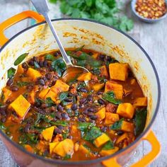 Sweet Potato & Black Bean Stew - Healthy Living James Gluten Free & Vegan and £1 a portion! Healthy Food Recipes, Veggie Recipes, Healthy Meals, Soup Recipes, Whole Food Recipes, Vegetarian Recipes, Healthy Eating, Cooking Recipes, Vegan Black Bean Recipes