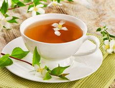 """A delicate, fragrant combination of green tea and the jasmine plant, jasmine tea has historically been called a """"gift from the divine"""" for its delicious ta Long Island Cocktail, Jasmine Tea Benefits, Health And Nutrition, Health And Wellness, Tea Organization, Healthy Tips, Healthy Recipes, Triple Sec, Long Drink"""
