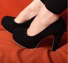 Resultado de imagem para sapato preto de salto grosso