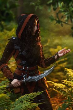 f Rogue Assassin Leather Armor Shortsword Poison female Deciduous forest ambush xlg (saved) Fantasy Armor, Fantasy Dress, Medieval Fantasy, Dark Fantasy, Queen Aesthetic, Princess Aesthetic, Character Aesthetic, Character Outfits, Character Art
