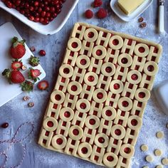This idea popped in my head during the week. I made a version yesterday, but mid-photo shoot saw how the design could be improved, so made it again this morning. That means there's lots of Strawberry, Raspberry and Cranberry slab pie to go around!